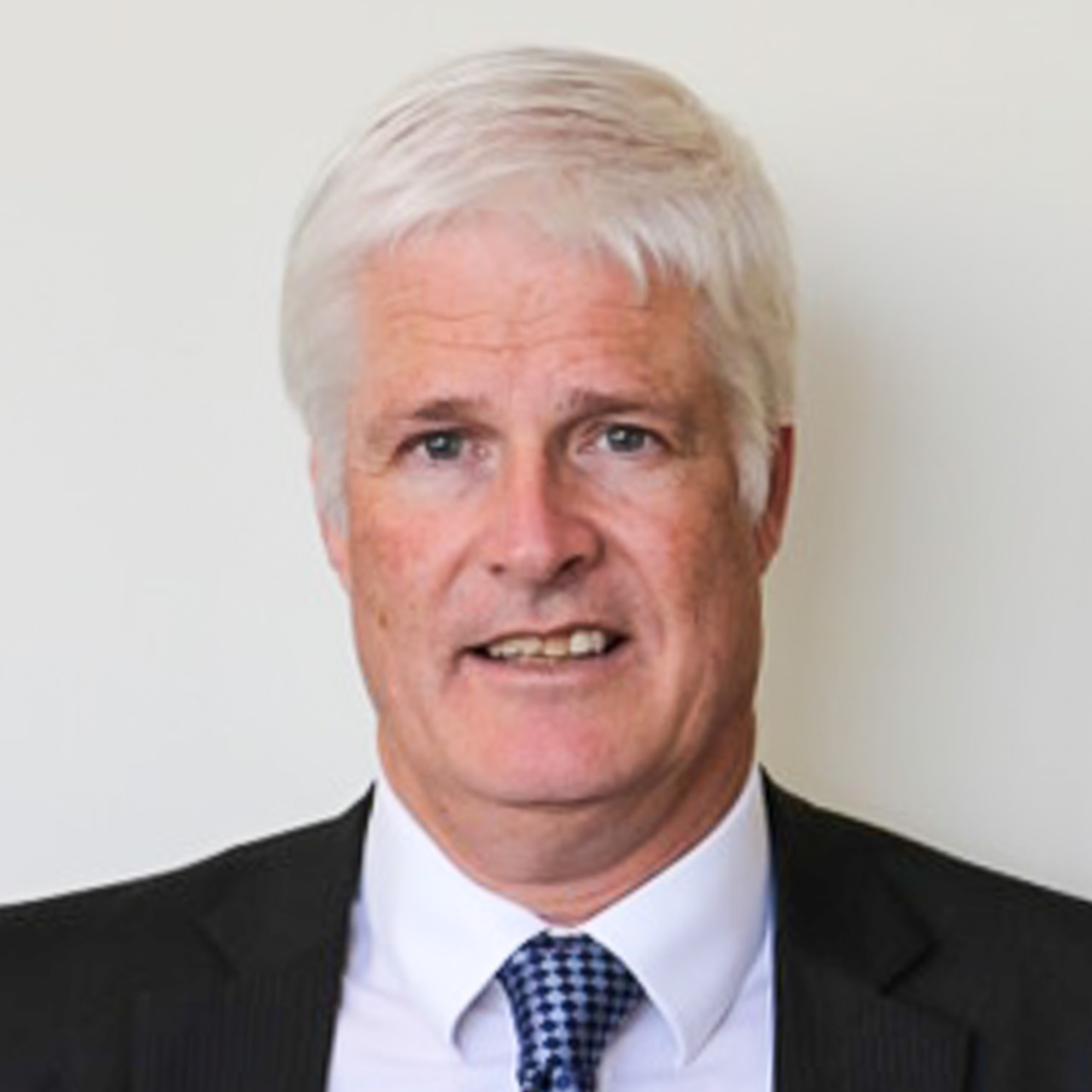 Mr Robert Howells Orthopaedic Surgeon at Union Road Specialist Centre, Surrey Hills